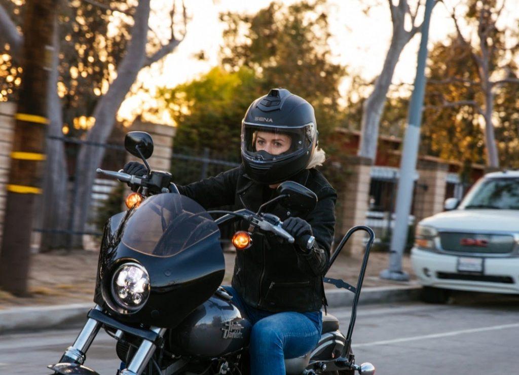 Sena Momentum INC Pro Bluetooth Helmet